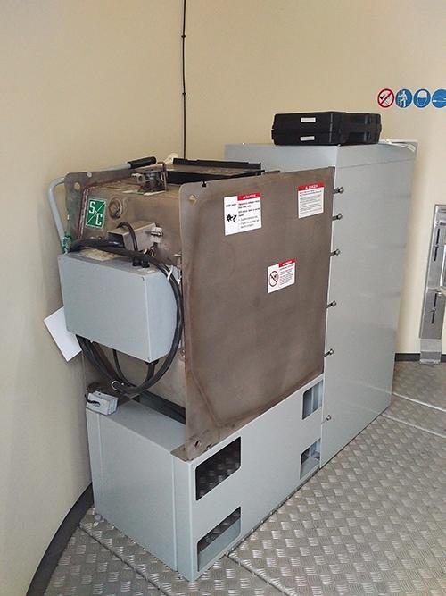 Photo 5A. 38 kV SF6 (sulfur hexafluoride) switch.